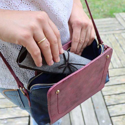Munschutz-Etui Business in der Handtasche